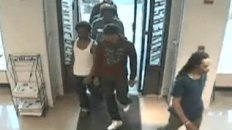 Group Robs Universal Gear Store