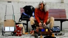 &#039;INCREDIBLE&#039; Street Performer in Lisbon