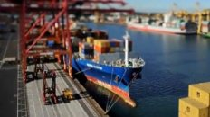 Amazing Tilt/Shift Video - Shipping Port