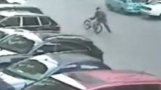 AWESOME: Chinese Man Throws Bicycle at Thieves